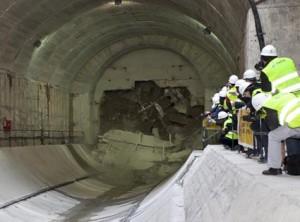 Momento del cale del túnel Atocha-Chamartín de alta velocidad. Foto: Adif.