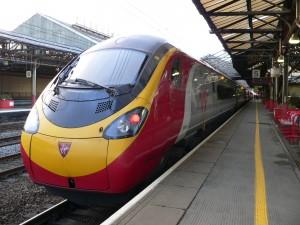 Pendolino 018 de la serie 390 de Virgin en Crewe sirviendo la West Coast Main Line. Foto: Chris McKenna.