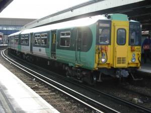 455 839 de Southern en Clapham Junction, Londres; estación propiedad de Network Rail. Foto: Miguel Bustos.