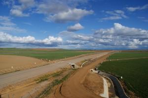 Adif construirá líneas de alta velocidad con tramos de vía única.