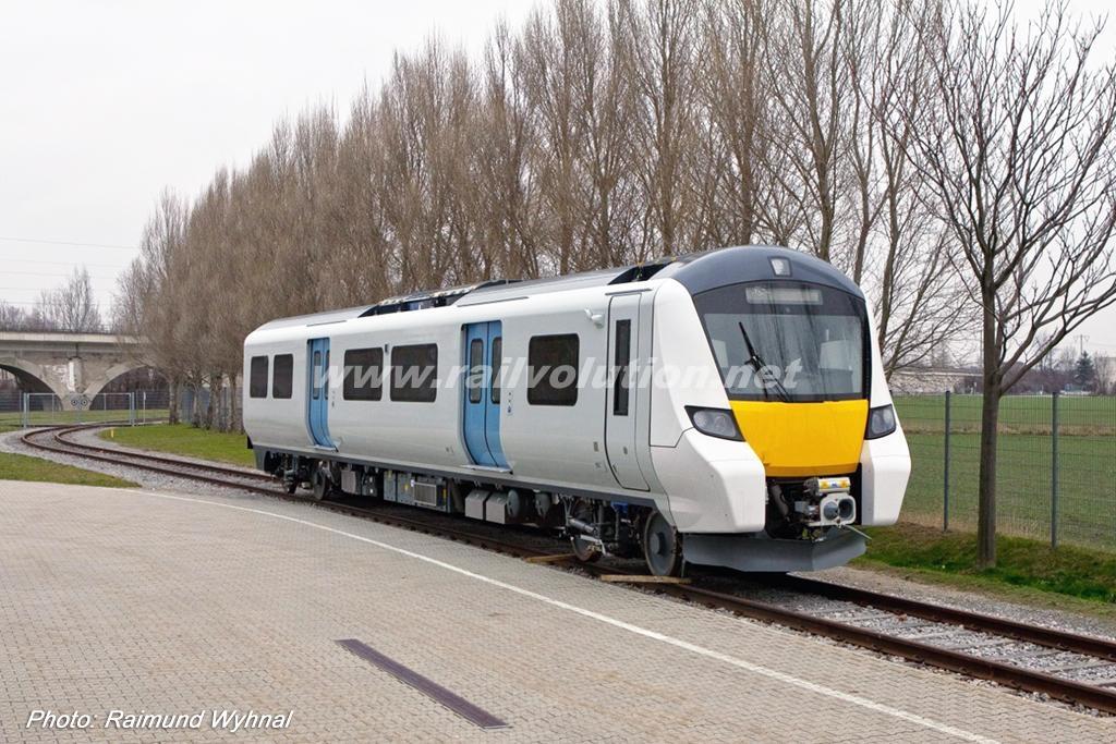 Imagen de uno de los Desiro City Class 700 que circularán por el Thameslink