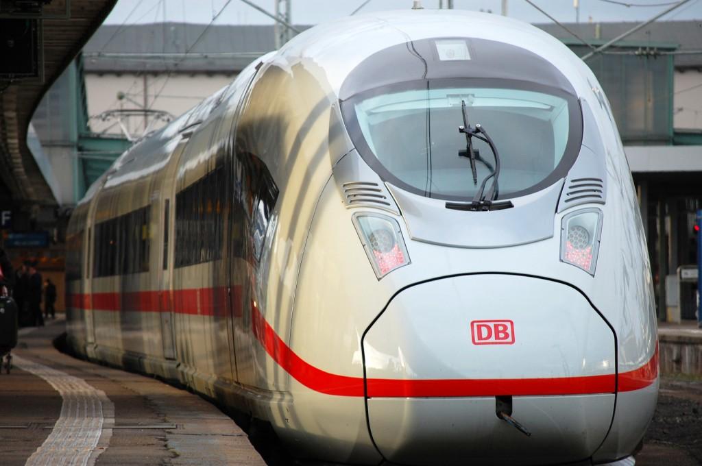 Tren Velaro D serie 407 de la Deutsche Bahn, como los que deberían haber ido a Londres, estacionado en Stuttgart Hbf. Foto: Florian Bausch
