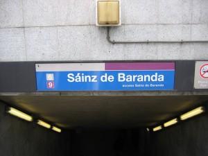 Entrada a la estación de Sáinz de Baranda, en donde está la primera metrolinera del metro de Madrid. Foto de José María Mateos