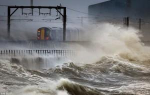 Las lluvias provocan cortes en el servicio ferroviario de Inglaterra