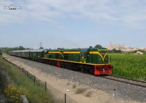 El Tren de los lagos con sus dos locomotoras diésel. Foto: © ARMF.