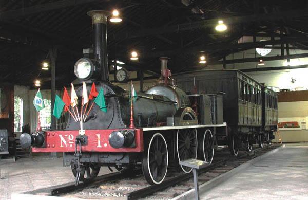 La locomotora A Baroneza, la primera en circular en Brasil, en el Museu do trem. Foto: RFFSA.