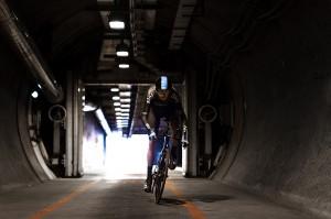 Chris Froome se convertía en el primer ciclista en recorrer el Eurotunnel sobre su bicicleta.