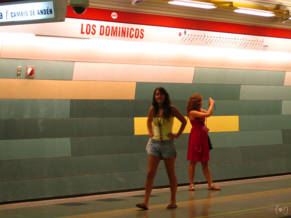Estación Los Dominicos del metro de Santiago, lugar donde tuvo lugar la explosión de la bomba. Foto: Claudio Garrido .