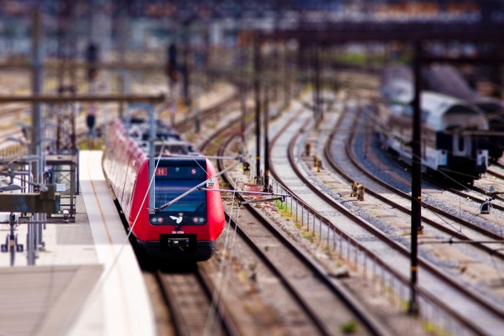 Aunque la escala N es de las más pequeñas de modelismo ferroviario (sólo superada por la Z), el nivel de realismo puede ser muy grande y equiparable al de H0. Foto: frankallanhansen.Aunque la escala N es de las más pequeñas de modelismo ferroviario (sólo superada por la Z), el nivel de realismo puede ser muy grande y equiparable al de H0. Foto: frankallanhansen.