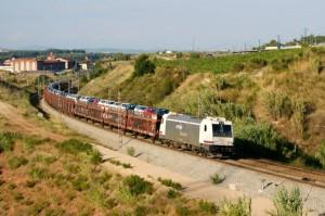 Renfe Mercancías habría formado un cártel para repartirse el mercado de transporte de vehículos y recambios.