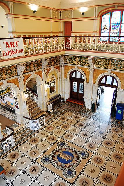 Su interior rico en detalles es otro de los puntos fuertes de la estación de Dunedin. Foto: Daniel Pietzsch.
