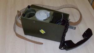 Antiguo teléfono de campaña de Renfe. Foto: © Museo del Ferrocarril.