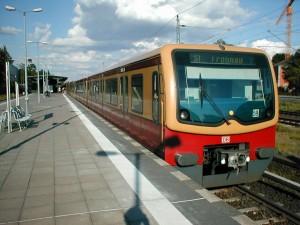 Un tren de la serie 481 del S-Bahn de Berlín en la estación de Griebnitzsee. Foto: Jorges.