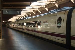Los trenes de AVE y Larga Distancia batieron su récord de viajeros en un día en el Puente de mayo. Foto: Matthew Black.