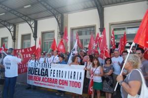 Comisiones Obreras ha anunciado que llevará a cabo diversas huelgas en Renfe y Adif durante el mes de septiembre. Si no encuentra el apoyo de los demás sindicatos ferroviarios, lo hará en solitario. Foto: CC.OO. de Granada.
