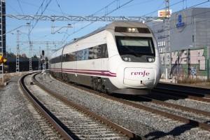 TAV serie 114 circulando en vacío por Manoteras, Madrid. Foto: Daniel Luis Gómez Adenis.