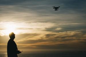 Los drones podrían ser la solución para disminuir el robo de cobre en la red ferroviaria. Foto: Rodrigo Gutiérrez.