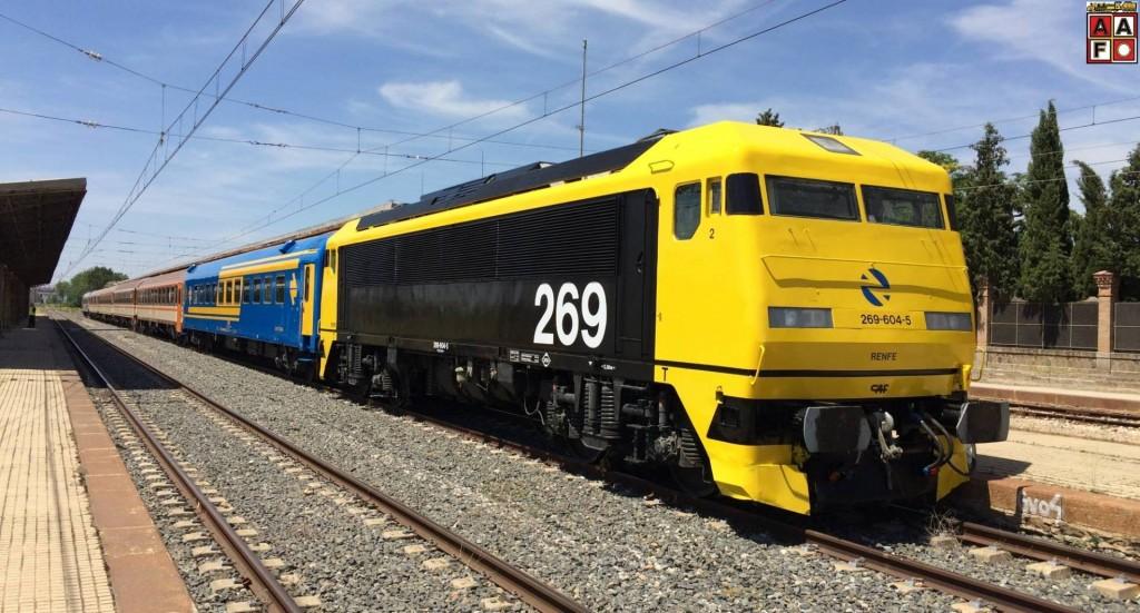 La locomotora 269-604, titular del Tren de los 80, durante su proceso de restauración. Foto: AAFM.