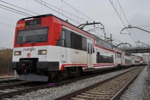 Doble de UT 451 haciendo un servicio hacia Barcelona. Foto: JT Curses.