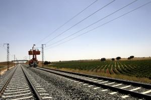 """Los trenes que devuelvan energía a la catenaria tendrán que pagar el nuevo """"impuesto al sol"""". Foto: Ministerio de Fomento."""