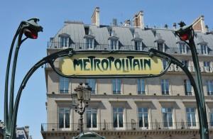 Clásica boca del metro de París. Foto: Rog01.