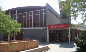Fachada principal d la estación de San Bernardo. Foto: © Roberto González Fontenla.