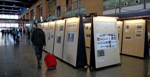 La exposición Caminos de Hierro permite a los viajeros disfrutar de una gran muestra de fotografía ferroviaria. Foto: Fundación de los Ferrocarriles Españoles.