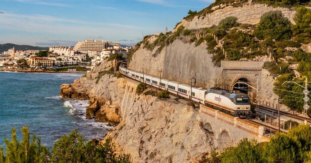 La nueva política de obtención de puntos +Renfe afectará a todos los viajeros. Foto: Aleix Cortés.