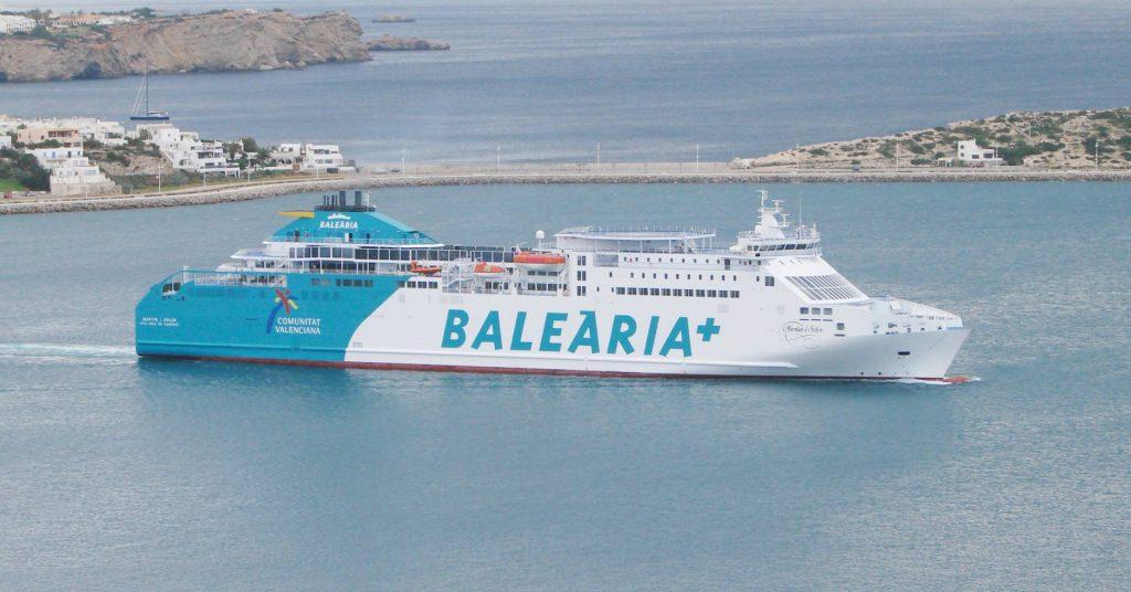 El Ferry Martin i Soler en el puerto de Ibiza. Foto: José Antonio Moreno Monge.
