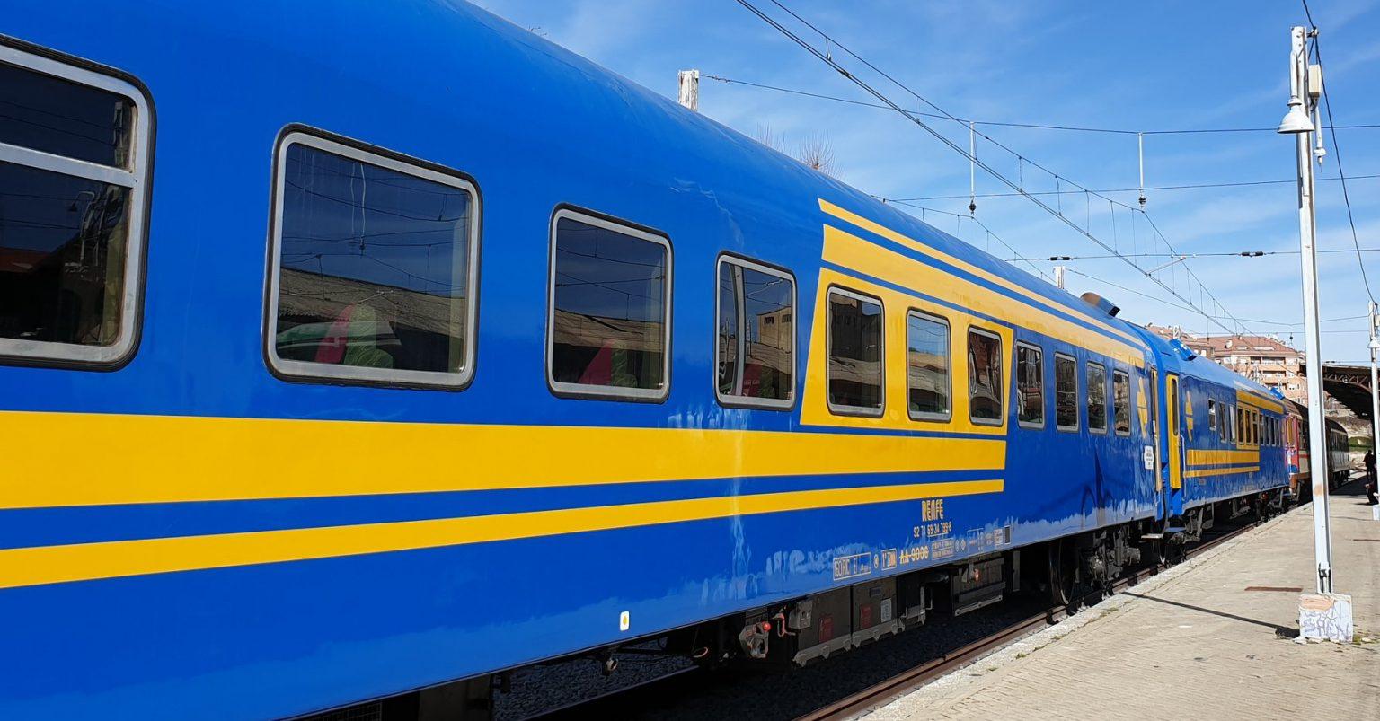El Tren de los 80, composición que realizará el Tren de la matanza el 21 de marzo, estacionado en Segovia. Foto: AAFM.