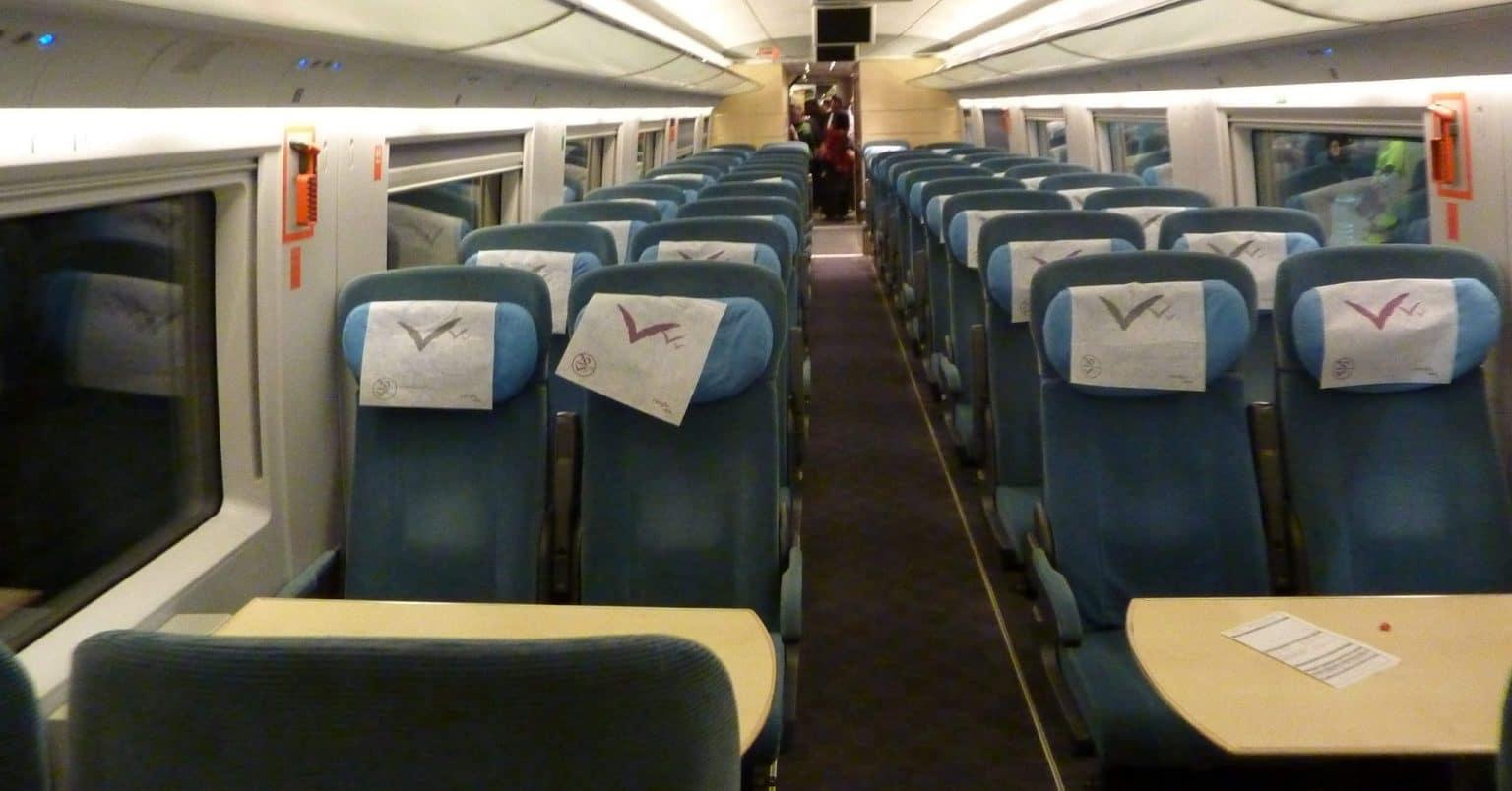 Interior de un tren de la serie 103 de Renfe. Foto: Miguel Bustos