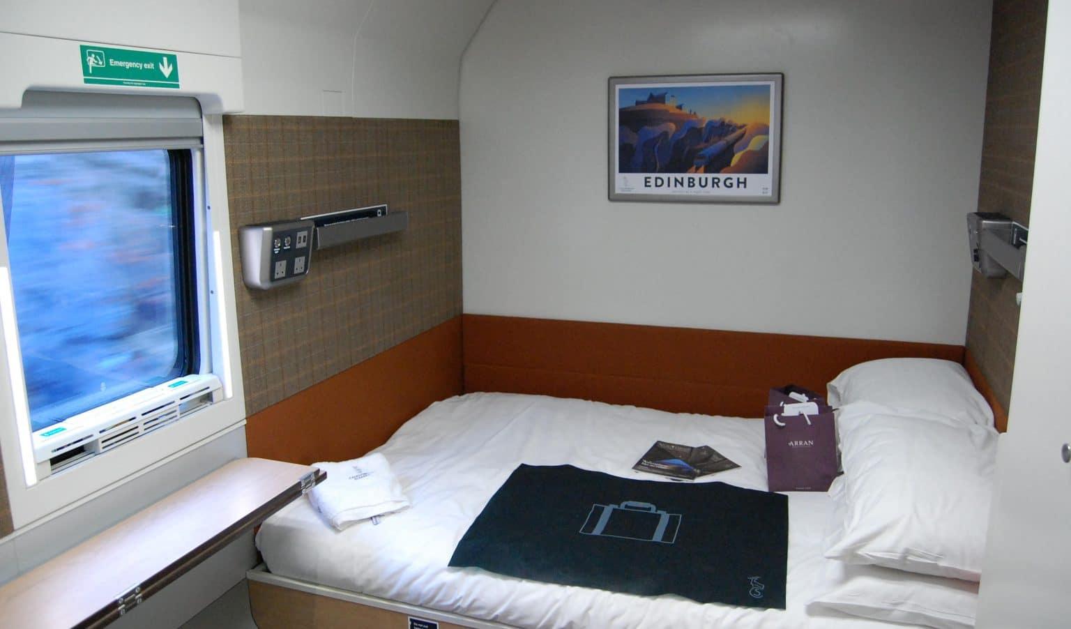 Interior de una suite del nuevo Caledonian Sleeper, fabricado en España por CAF. Foto (CC Peter Mugridge)