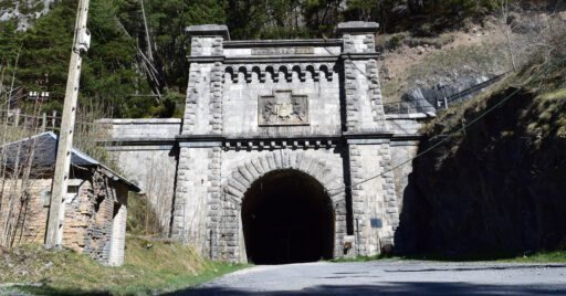 Entrada al túnel de Somport por el lado español. Foto (CC BY SA): Marc Celeiro