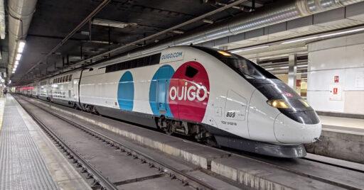 El 108-009 de Ouigo en Barcelona Sants. © Albert Maestre.