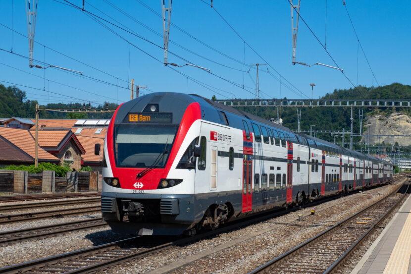Stadler KISS 160 de la SBB en Burgdorf (Berna). MARKUS EIGENHEER.