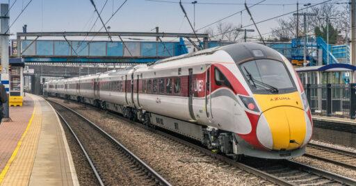 Tren de la serie 800 de la operadora pública LNER en Alexandra Palace. PAUL SMITH.