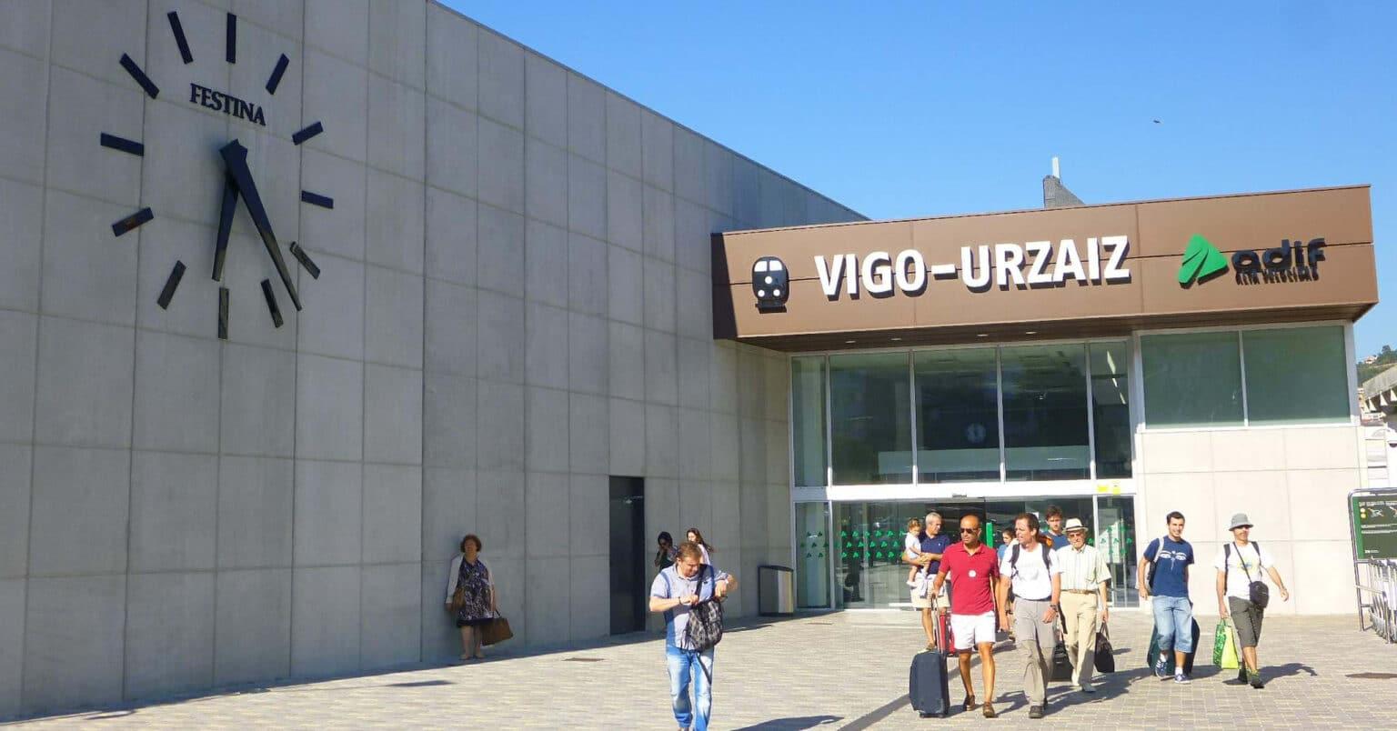 Estación de Urzáiz, que en un mes será la cabecera de todos los Alvia Madrid-Vigo. ZARATEMAN.