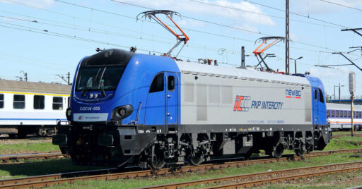 Locomtoora E4DCU de la familia Newag Griffin de PKP Intercity, una de las más modernas de la operadora. RYSZARD RUSAK.