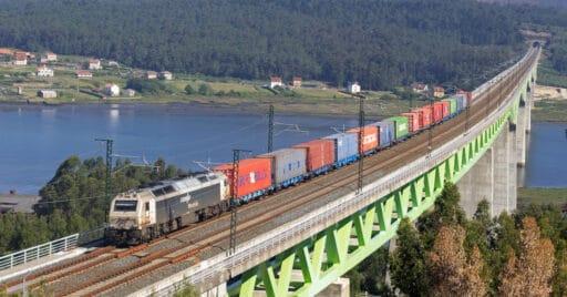 Tren de Renfe Mercancías contratado por Boluda, que pasará a ser gestionado por Boluda Rails. IAGO_GV
