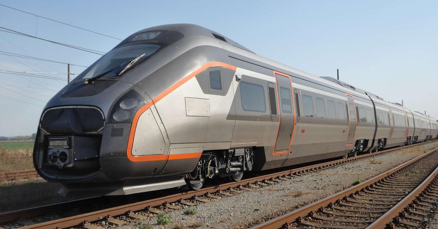 Uno de los trenes Oaris de CAF comprados por Flytoget y retirados del servicio por fisuras en el bastidor.