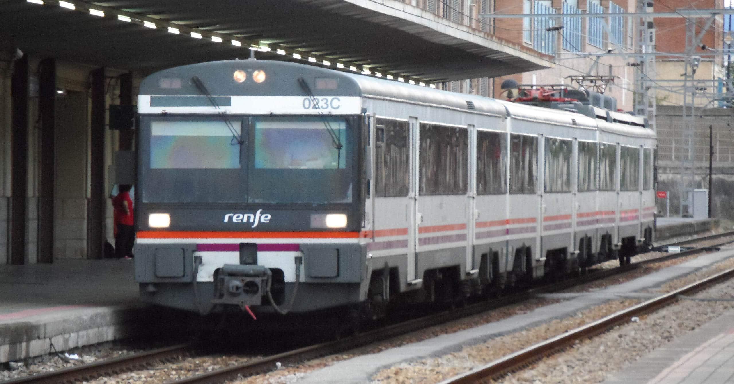 Unidad de la serie 470 de Renfe, que será retirada del servicio con la compra de los 57 trenes eléctricos nuevos.