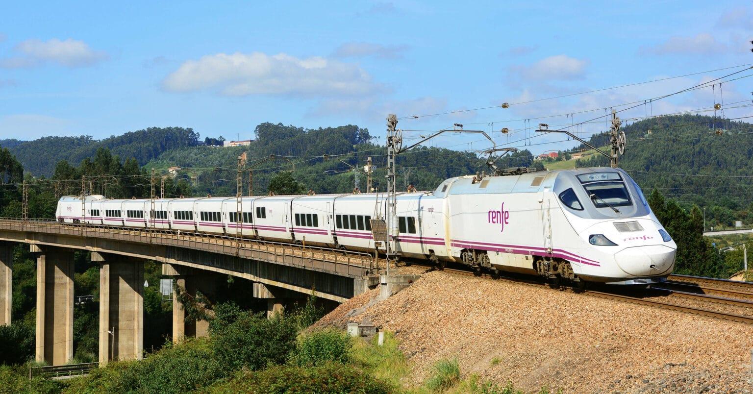 Renfe reformará los trenes de las series 130 y 730 para mejorar su confort y ofrecer WiFi a bordo.