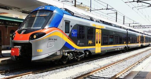 Uno de los trenes Alstom Coradia Stream para Trenitalia en la estación de Brindisi. SAGITTARIUS A